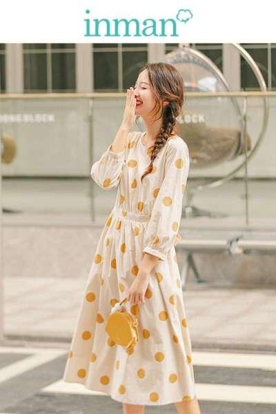 茵曼2019秋装新款圆领七分袖复古波点浪漫优雅连衣裙女【G1893104826】