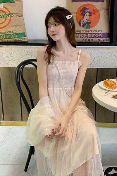 时尚女装裙子女2019新款夏季韩版仙女纱压褶a字裙吊带连衣裙+防晒衣外套
