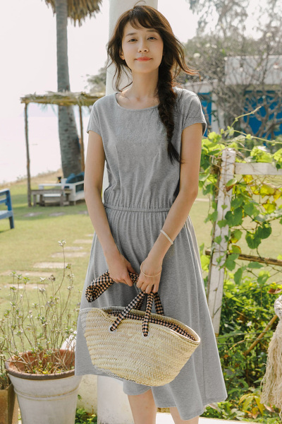 茵曼INMAN夏装新款圆领绣花盖肩袖摆收腰显瘦连衣裙女【1882103002】